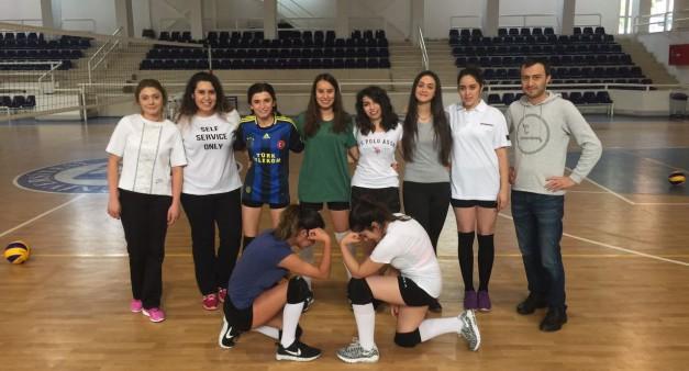 Geleneksel Rektörlük Kupası Öğrenci Bayan Voleybol Takımımız